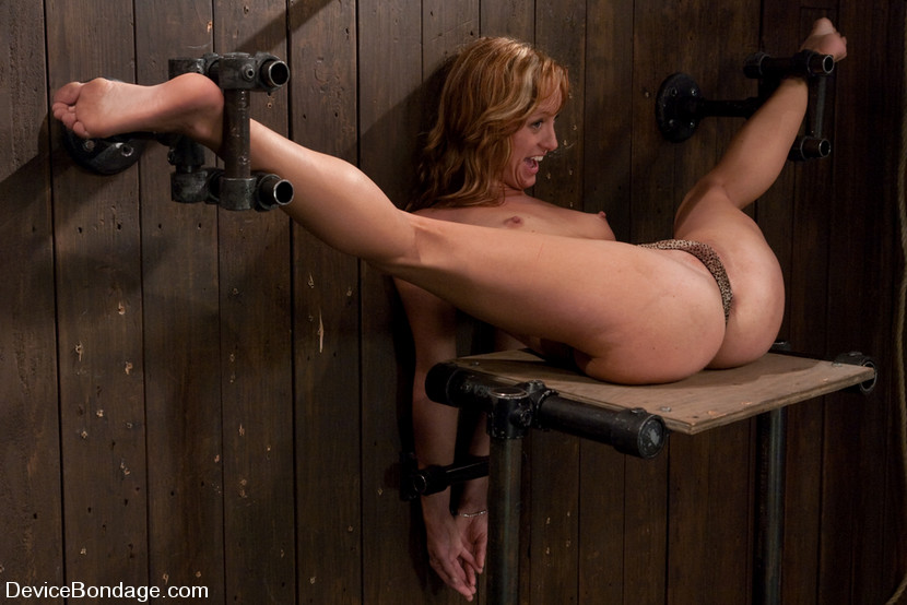 Nude chick strapped t wood wall with legs a - XXX Dessert ...
