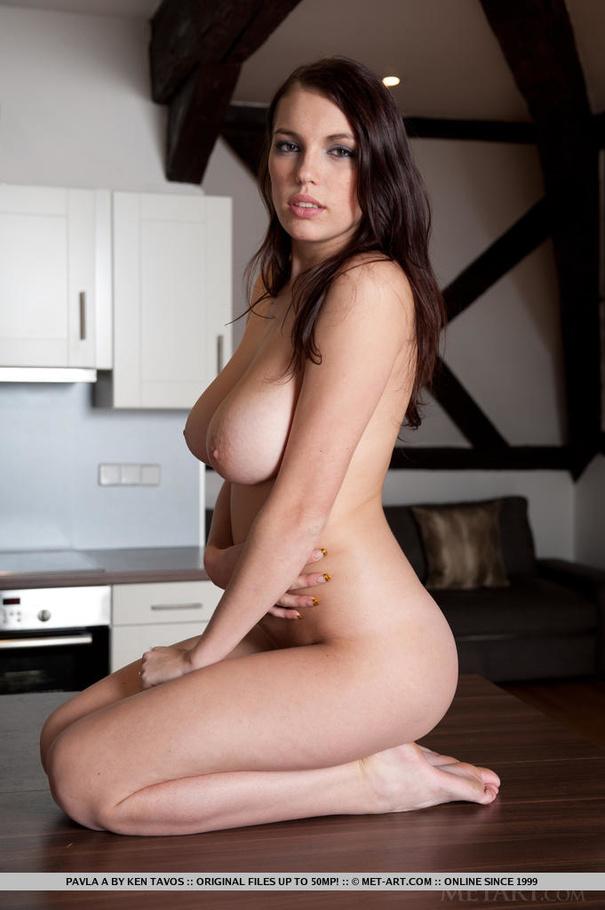 Lindsay lohan pussy upskirt