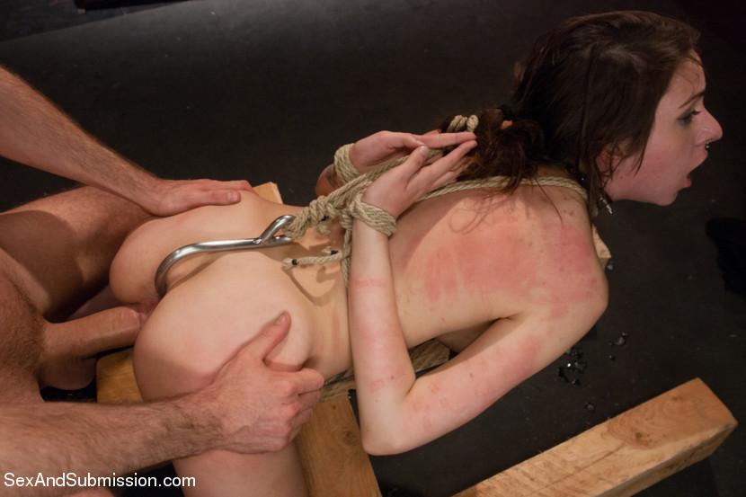Туристку в секс рабство