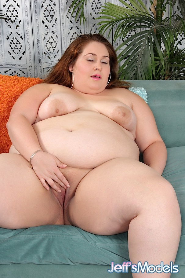 fatty brunette nude