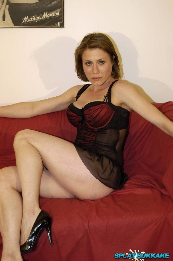 posing couch milf Nude on