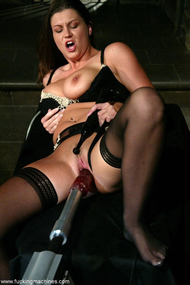Fucking machine drills hard trimmed cunt of a horny MILF - XXXonXXX - Pic 5