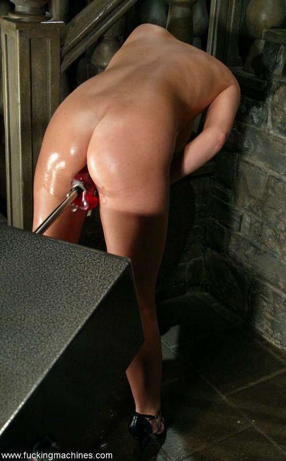 Fucking machine drills hard trimmed cunt of a horny MILF - XXXonXXX - Pic 13