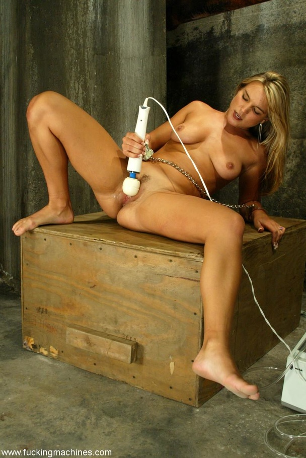 Slave frame and sex machine make blonde extremely excited - XXXonXXX - Pic 16