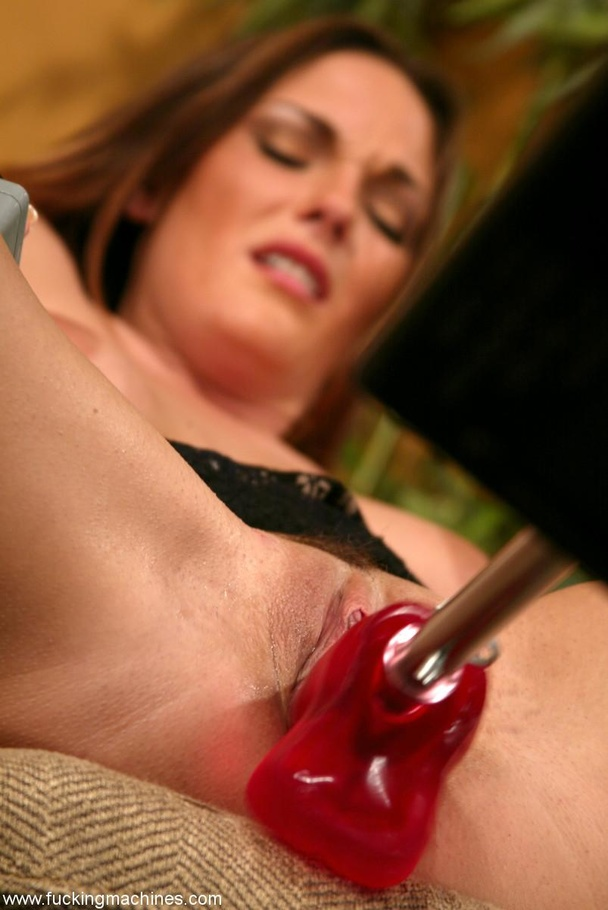 The robot fucks well-shaped lady better than any male - XXXonXXX - Pic 9