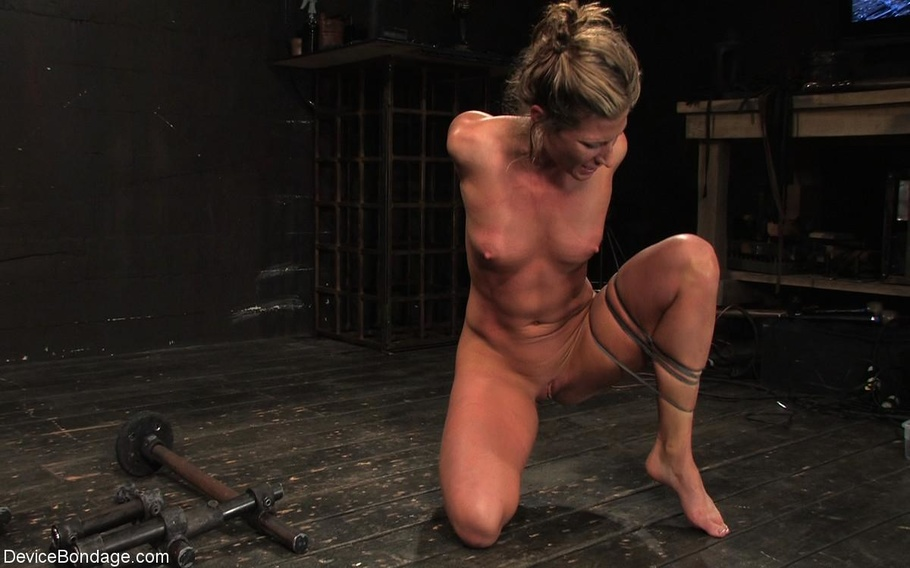 bondage kläder escort girl sweden