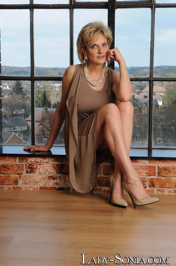 sonia grey nude pics
