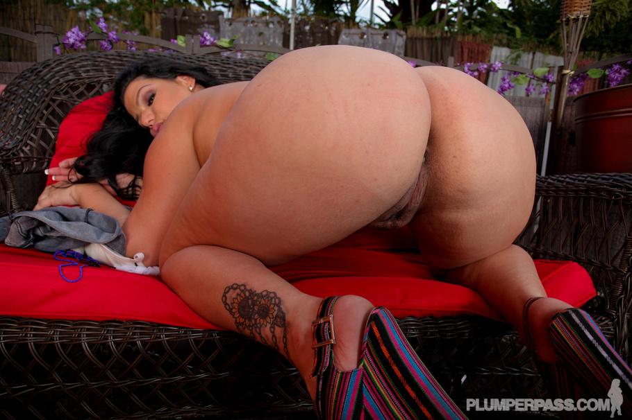 Ютуб эротика большие женщины огромные жопы