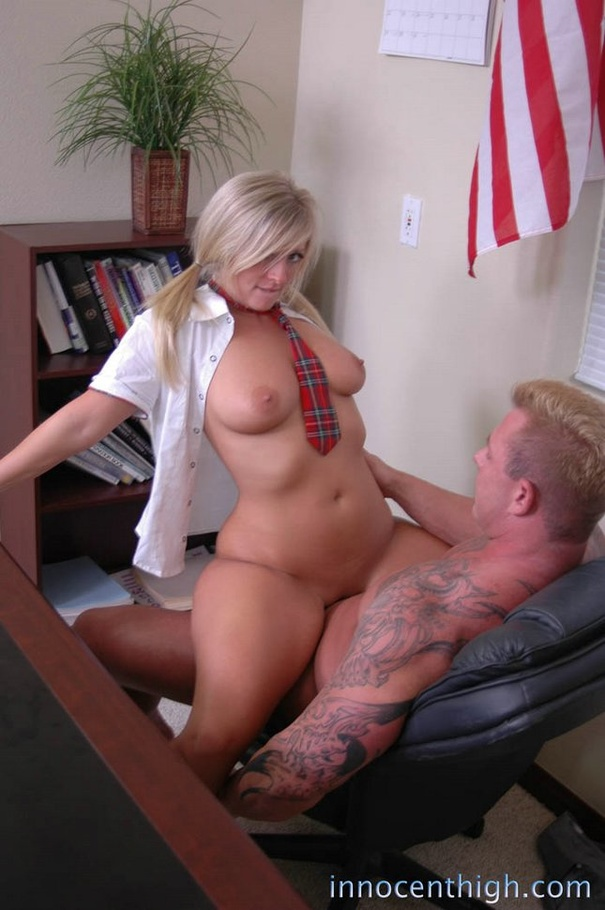 image Teen schoolgirl fucked by pizza delivery boy