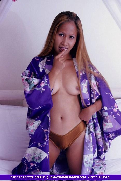Amazingly! wife robe hairy pussy milf