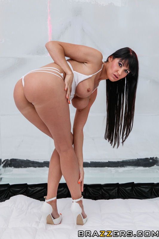 Brunette dressed in white gets her anal hole ruined - XXXonXXX - Pic 2