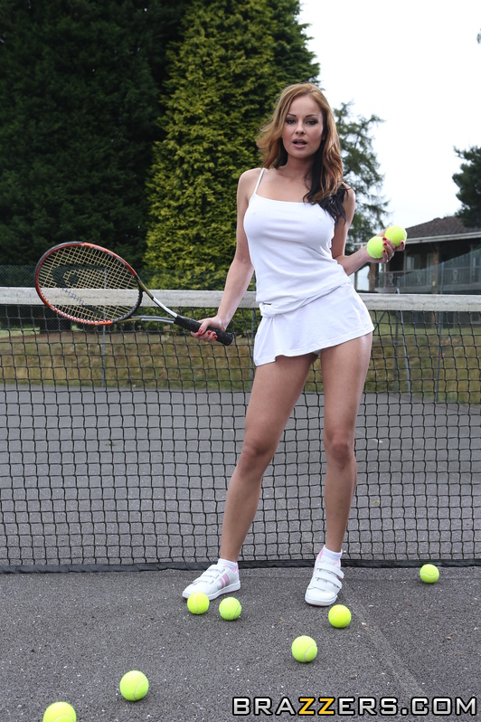 Female tennis player Amirah Adara fucking 2 guys on the court  1155352