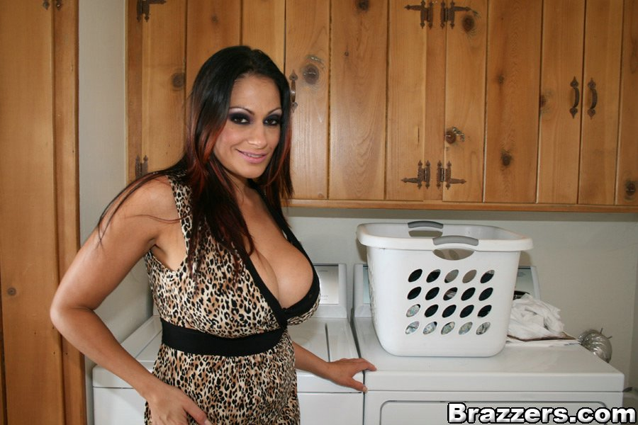 Busty Latina MILF Ava Lauren finds a youngster with a big cock № 1007464 без смс
