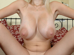 Super hot blonde chick revealing her big tits out of bra - Picture 8