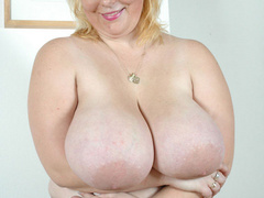 BBW blonde housewife with enormous boobs exposing her - Picture 8