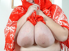 BBW blonde housewife with enormous boobs exposing her - Picture 9