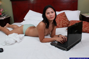 Bebz spreads her pussy lips in front of her webcam to find generous sponsors - XXXonXXX - Pic 5