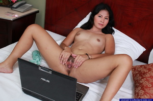 Bebz spreads her pussy lips in front of her webcam to find generous sponsors - XXXonXXX - Pic 11
