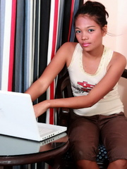 Petite college girl chatting online naked to find - XXXonXXX - Pic 1