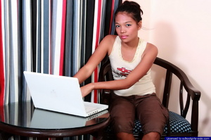 Petite college girl chatting online naked to find some generous sponsors - Picture 1