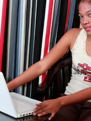 Petite college girl chatting online naked to find - XXXonXXX - Pic 2