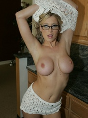 Blonde Slut Shows Her Pussy and - XXX Dessert - Picture 10