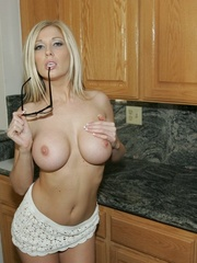 Blonde Slut Shows Her Pussy and - XXX Dessert - Picture 15