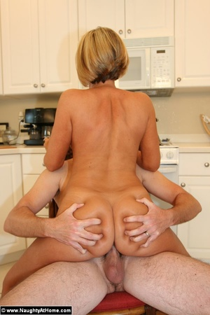 Naked Busty Wife Sucking and Fucking - XXX Dessert - Picture 14