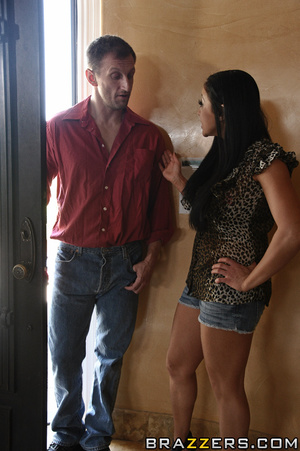 Audrey is a meek and quiet housewife who - XXX Dessert - Picture 5