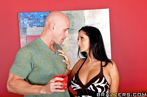 Ava suspects her husband is cheating on  - XXX Dessert - Picture 7