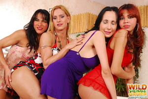 Four horny shemales have hot tub orgy - XXX Dessert - Picture 4