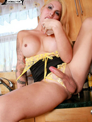 Cute T-girl pops her - XXX Dessert - Picture 10