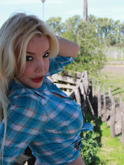 Country Girl Shemale with cowsized tits - XXX Dessert - Picture 5