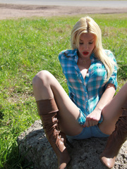 Country Girl Shemale with cowsized tits - XXX Dessert - Picture 11