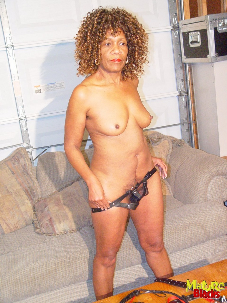 mature granny Black freaky