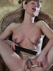 Perverted babe abusing her tits with hot wax and stuffed - Picture 8