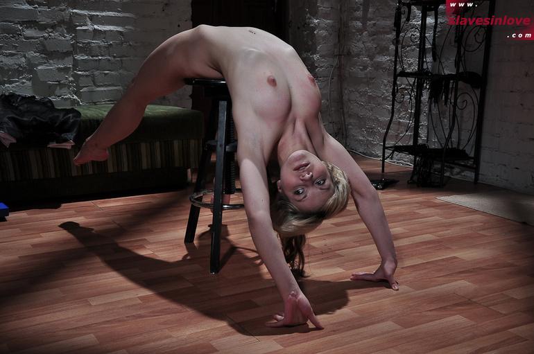 naughty nude photos of kirsten dunst