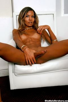 Hi, I'm Babe Wonder, an ebony bronze built - XXX Dessert - Picture 9