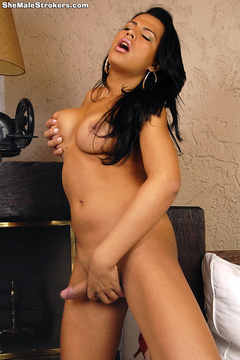 Alessandra Ribeiro is a super-sexxxy T-Girl - XXX Dessert - Picture 4