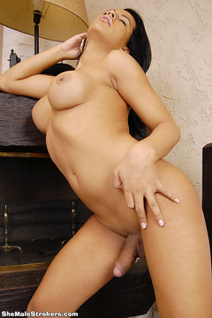 Alessandra Ribeiro is a super-sexxxy T-Girl - XXX Dessert - Picture 6