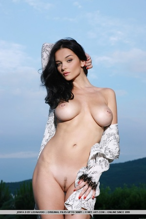 Raven-haired vixen with sultry gaze, lar - XXX Dessert - Picture 1