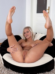 Blonde darling with smooth, creamy skin, - XXX Dessert - Picture 5