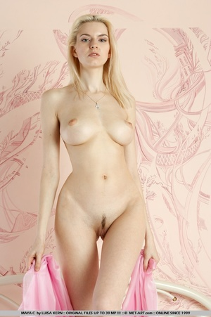 Mesmerizing vision of stunning blonde wi - XXX Dessert - Picture 3