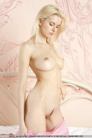 Mesmerizing vision of stunning blonde wi - XXX Dessert - Picture 6