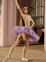 Tags: Athletic, ballerina, ballet, dancer, - XXX Dessert - Picture 4