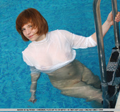 New Russian model goes in the pool naked and shows…