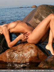 Exotic Lissa plays at the beach on the - XXX Dessert - Picture 2