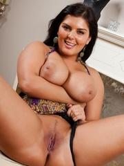 Jasmine's huge greasy boobs - Sexy Women in Lingerie - Picture 4