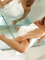 Inside the Loo With Hayley - Sexy Women in Lingerie - Picture 3