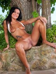 Megan strips off her bikini - Sexy Women in Lingerie - Picture 11